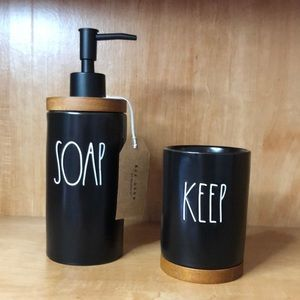 "Rae Dunn 2 PC Bathroom Set Black ""Soap"" & ""Keep"""